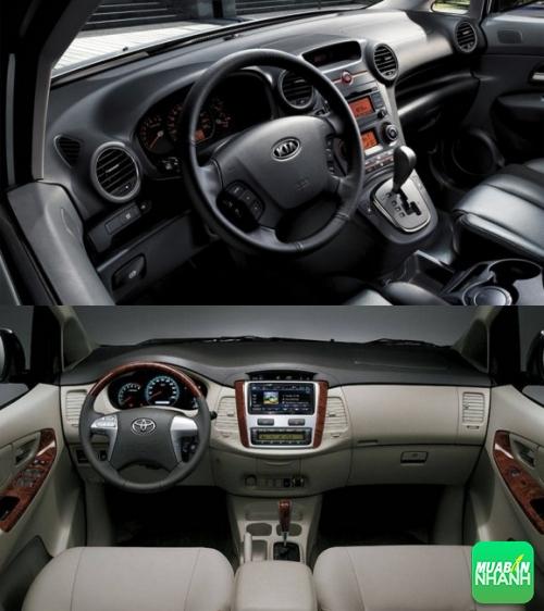 Nội thất Kia Carens và Toyota Innova