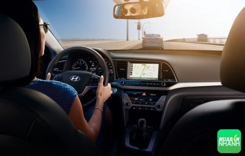 Lái thử xe Hyundai Elantra