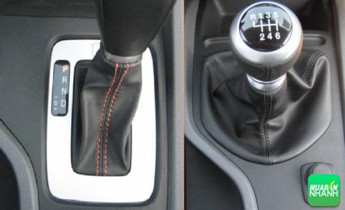 Nên chọn xe Toyota Innova số sàn hay số tự động?