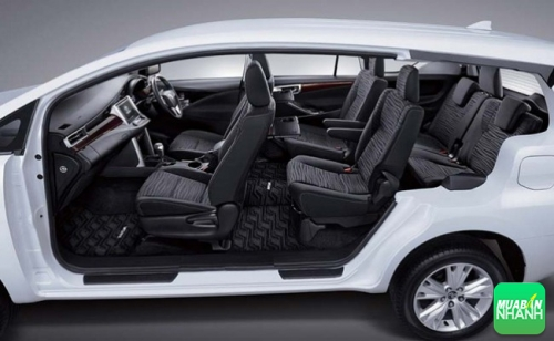 Nội thất hiện đại của Toyota Innova 2016