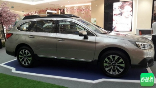 Xe dài 4.815mm, dài hơn cả chiếc SUV Toyota Fortuner. Rộng 1.840mm và cao 1.675 mm. Khoảng sáng gầm là 213 mm, nằm giữa một chiếc sedan và một chiếc SUV thông thường.