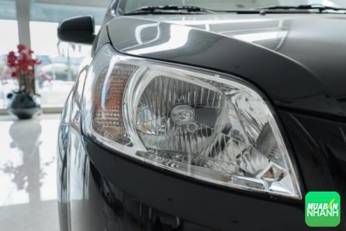 Chevrolet Aveo LTZ số tự động được trang bị hệ thống đèn pha Halogen